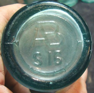 "Base mark on AB bottle, S 16. Pic courtesy of ebay seller ""cowboyray45"""