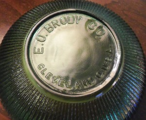 E. O. Brody Co. Cleveland, O. mark on ribbed bowl, circa 1960s or early 1970s.