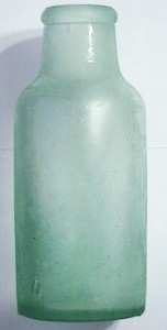 CBM-marked pickle / chutney bottle, type made in Great Britain