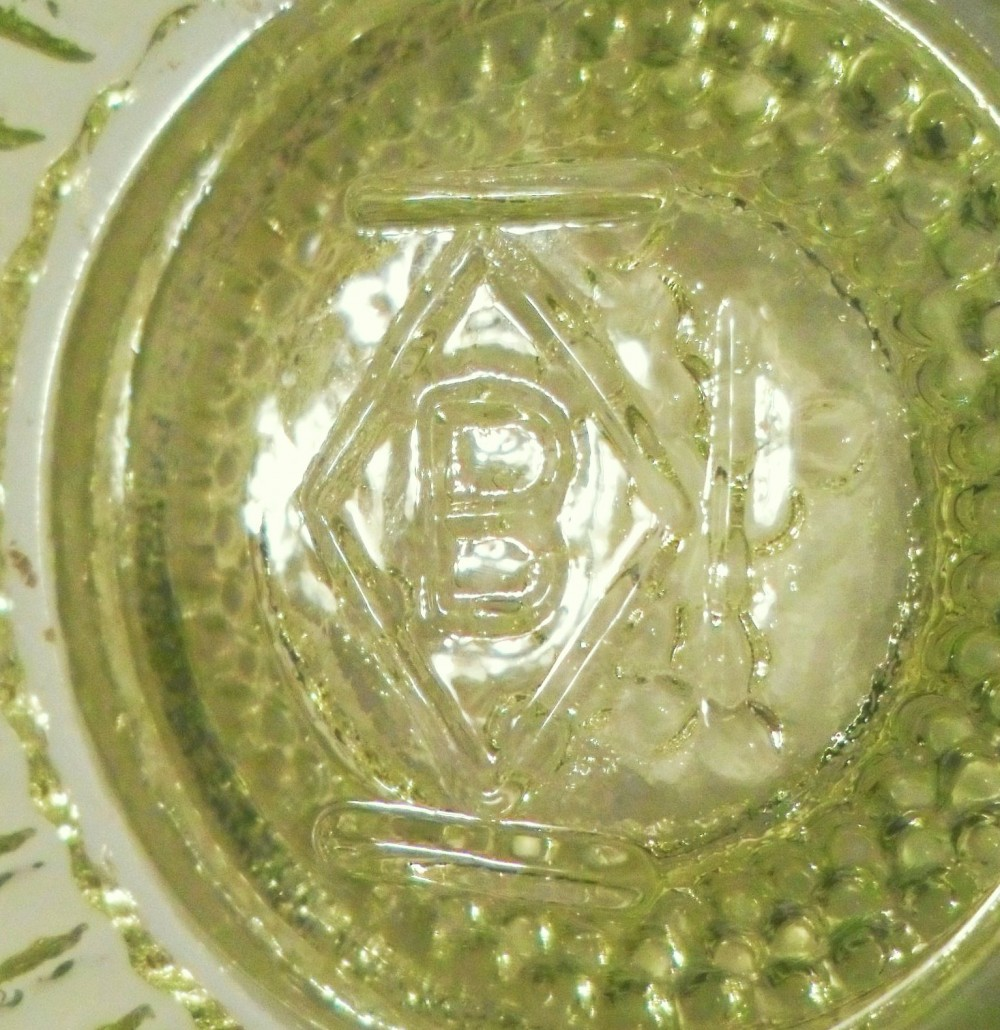 """B in a diamond"" mark on inside of ""Star & Dewdrop"" master salt made by Boyd Glass"