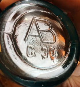 Quot Ab Connected Quot Beer Bottle Base Mold Codesglass Bottle Marks